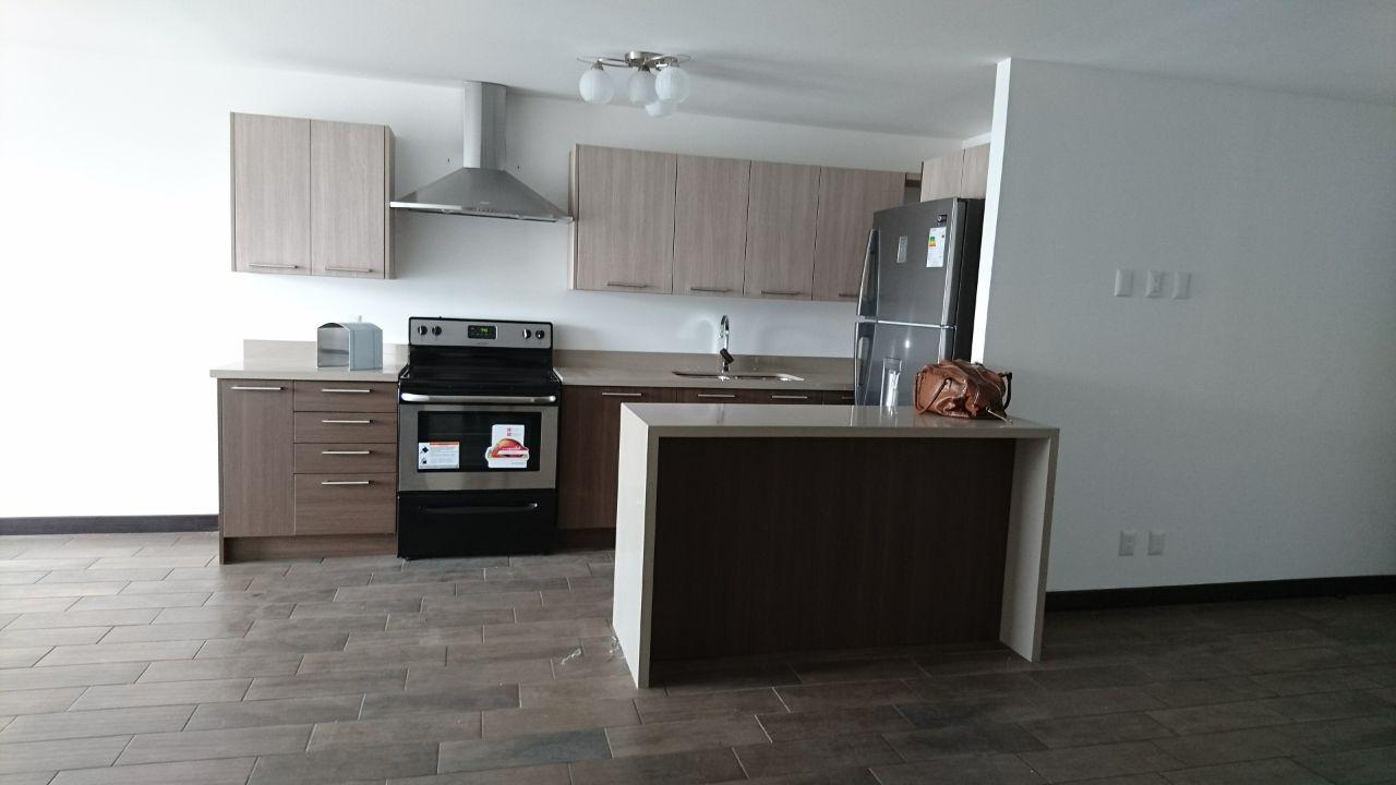Apartamento en Alquiler de Dos Dormitorios   zona 10  Bajó de Precio