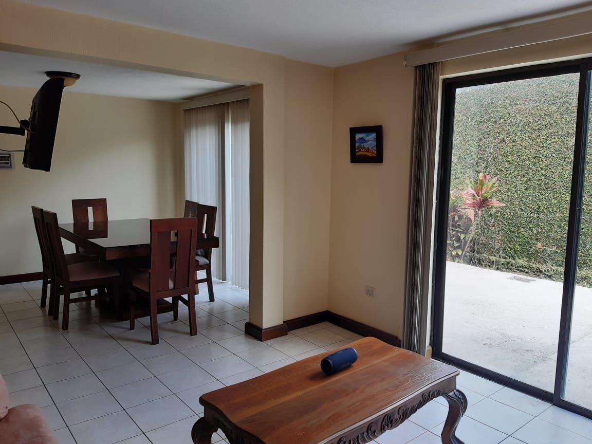 Vendo Casa en Condominio de Ciudad San Cristobal, Mixco