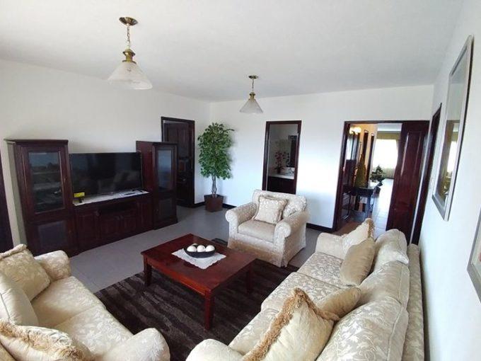 Apartamento en Alquiler de Ambientes Amplios