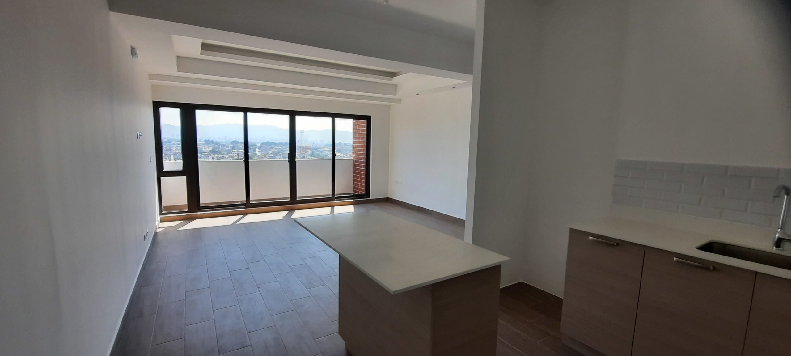 Apartamento en Venta Ubicado en Edificio Moderno de Zona 11