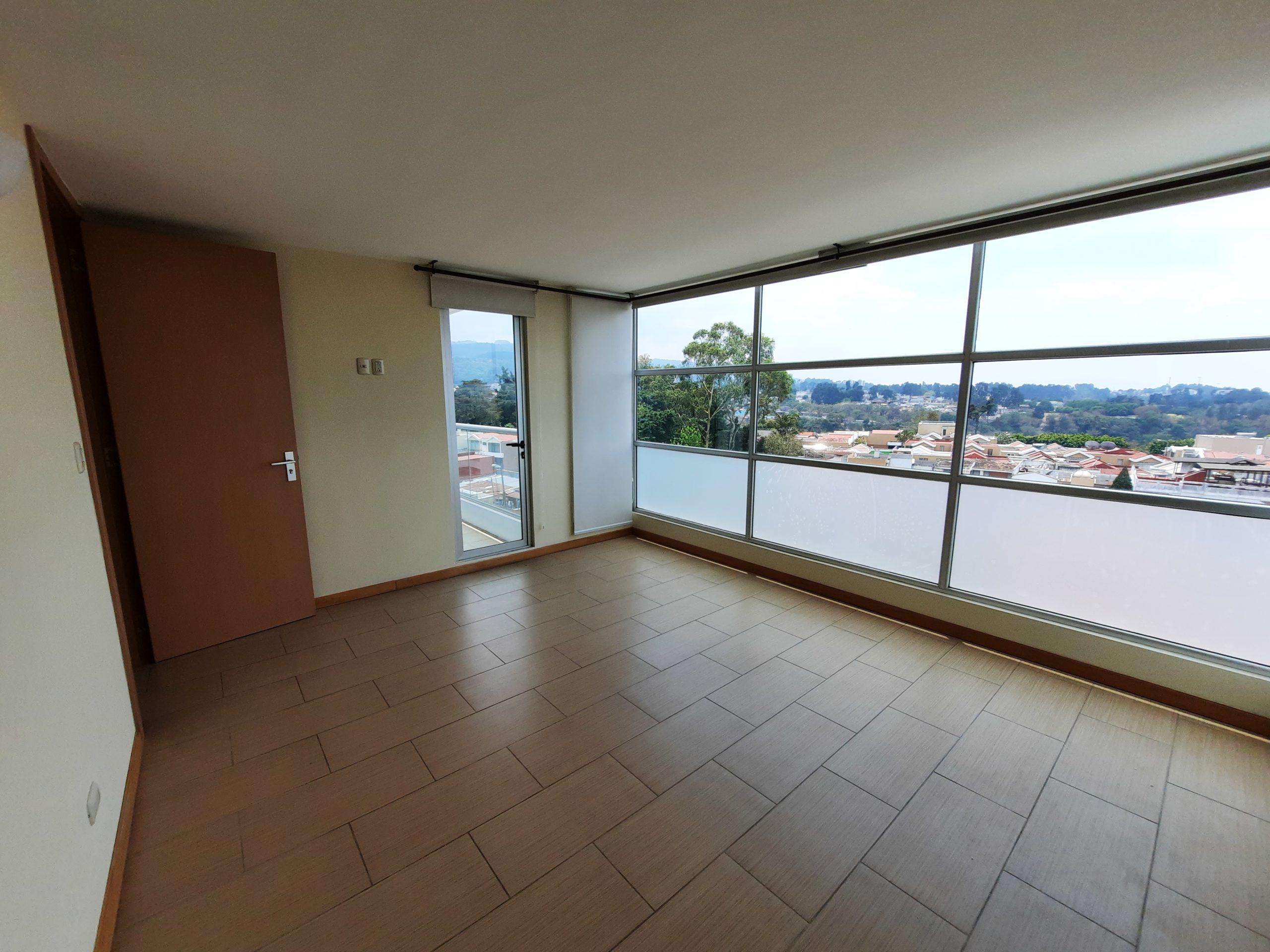 Apartamento de Tres Dormitorios en Alquiler en Zona 14