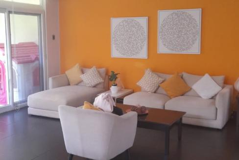 Casa Zona 16