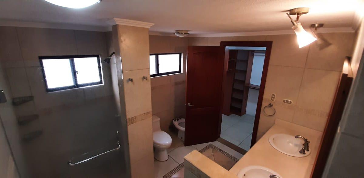 Baño Dormitorio Principal1