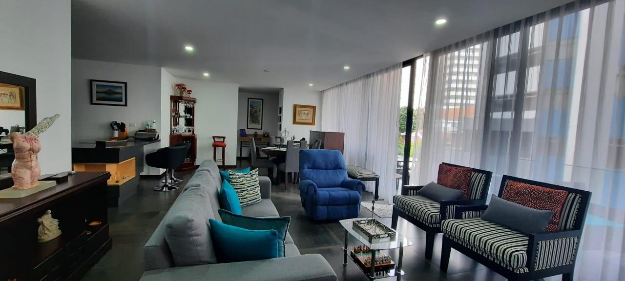 Apartamento en Venta en Zona 14 de 2 Dormitorios